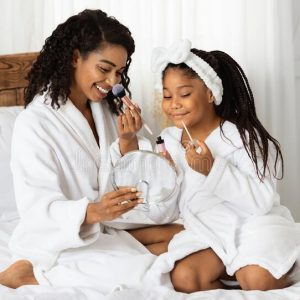 mom and daughter spa at reconnect